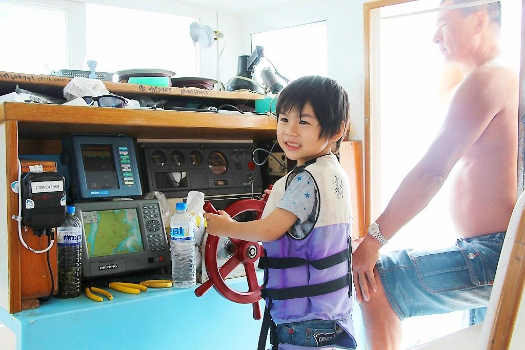 澎湖玩樂行程-歐船長東海漁業一日遊,帶著孩子想出海又不想下水的朋友看過來。