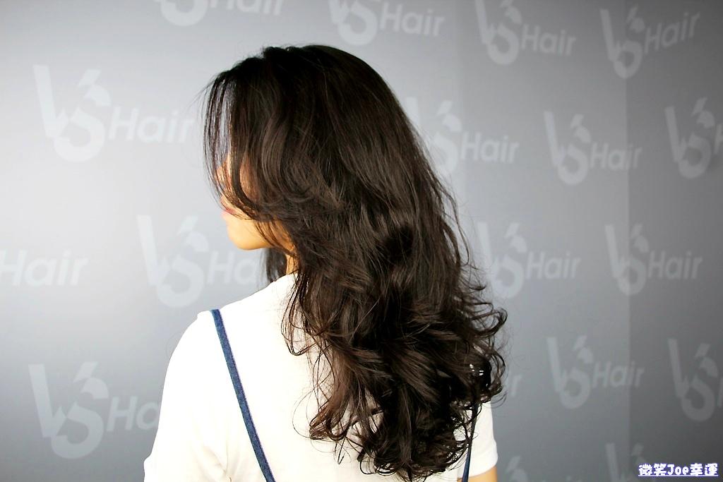 西屯|台中逢甲燙髮護髮推薦  VS.Hair,許你一個好整理的慵懶女神式捲髮。