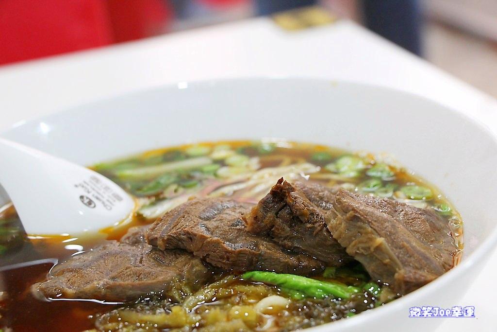 西區|清爽夠味的牛肉麵,財登興牛肉麵館。