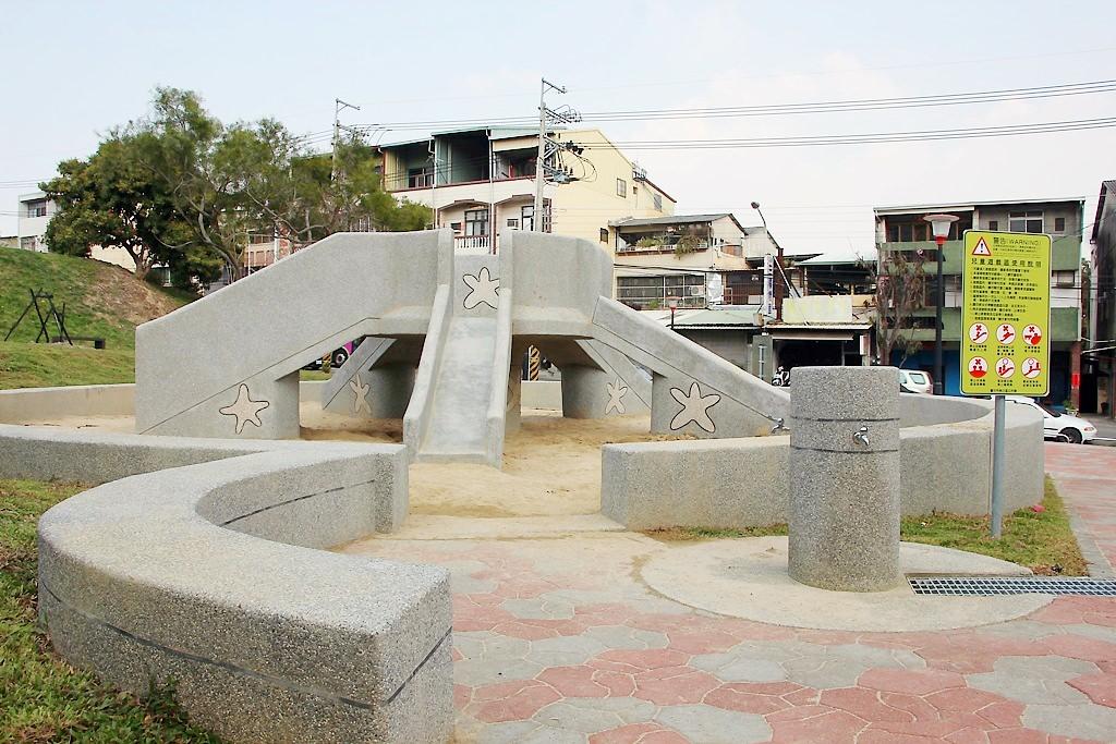 烏日學田沙坑小公園,近成功嶺。